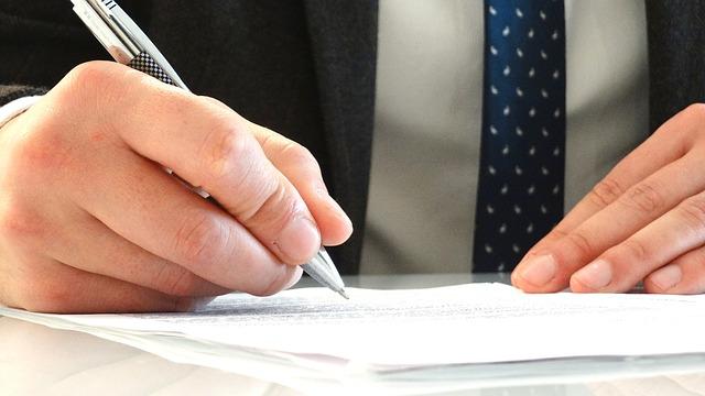 איך להגיש חוות דעת משפטית?